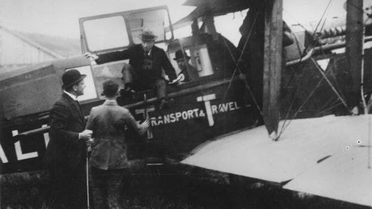 Aankomst van de eerste commerciële vlucht op Schiphol, 17 mei 1920. Bron: Stadsarchief Amsterdam.