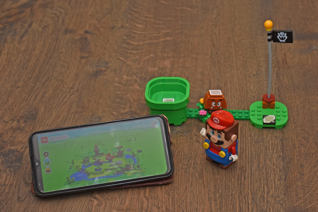 LEGO Super Mario review: level 1 met smartphone