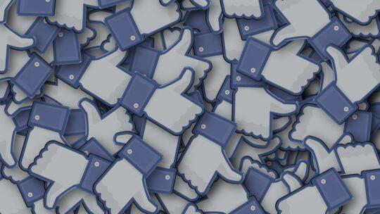 Facebook zet content moderators in om schokkende beelden te verwijderen, maar de teams gaan er zelf aan onderdoor.